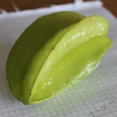 En carambola (stjärnfrukt)